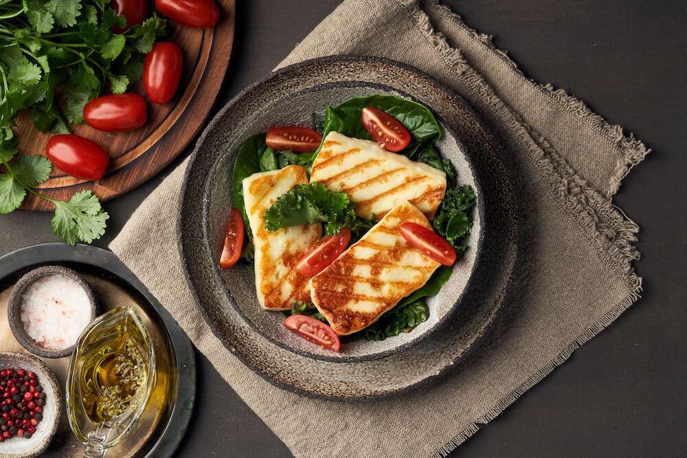 Veganer Grillkäse – einfach, gesund und milchfrei