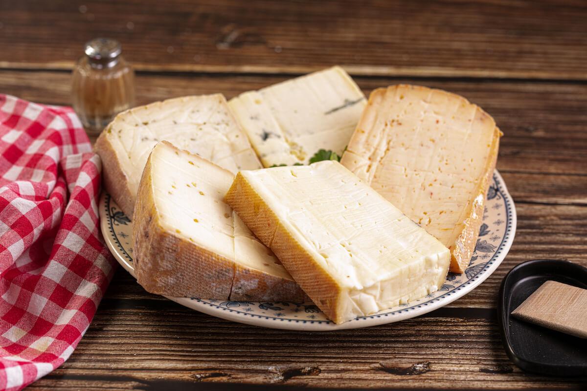 So hilft Ihnen eine Reifebox bei der Käseherstellung