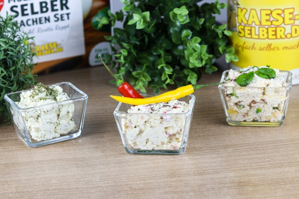 superbowl-dips-knoblauch-chili-feta-frischkaese-kaese-selber